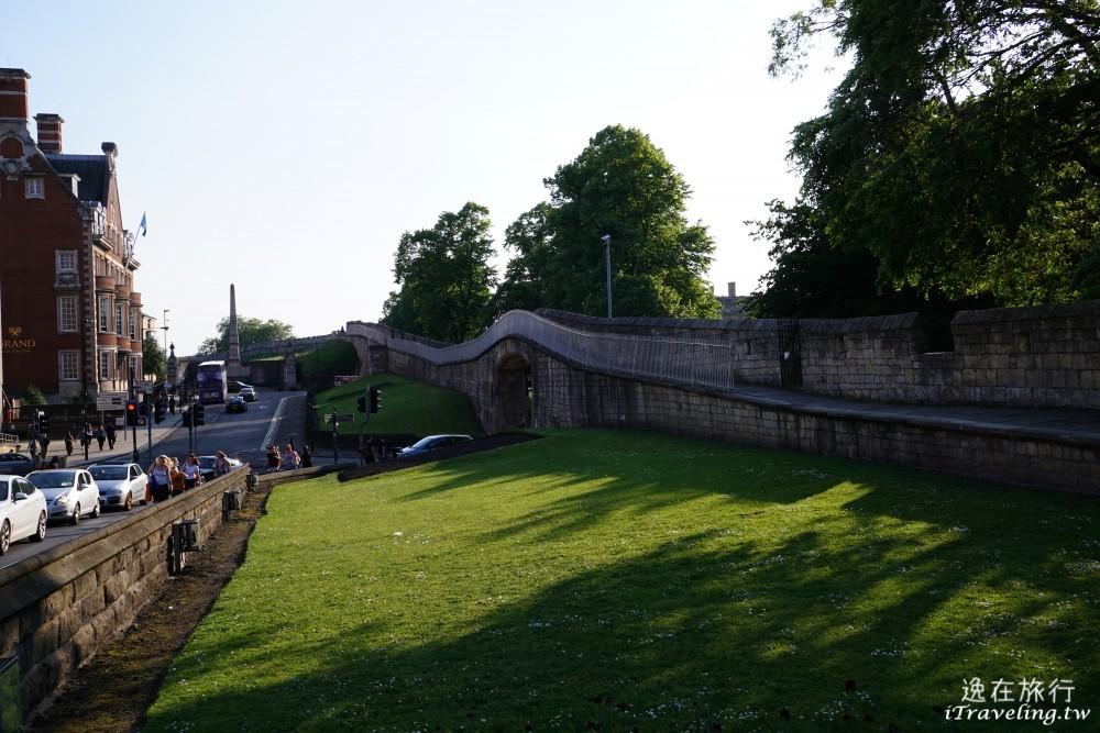 約克, 古城牆, York walls