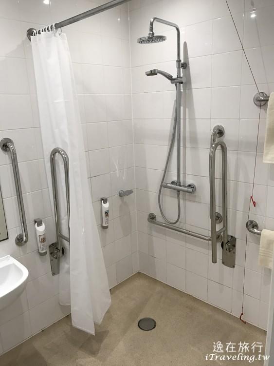 ibis edinburgh centre south bridge bath room